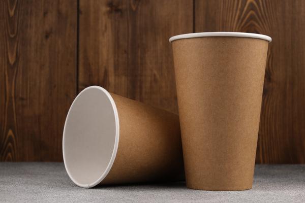 gobelets-a-usage-unique-:-vers-la-fin-du-plastique-!